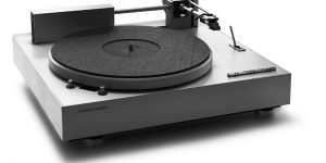 Harmon-Kardon Linear Tracking Turntable